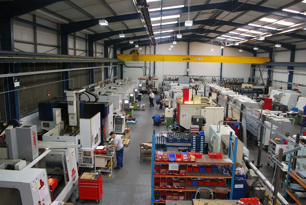 Manufacturing Plant | Usine Manufacturière